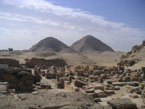 Antiq-Pyramide-Pyramides_d'Abousir