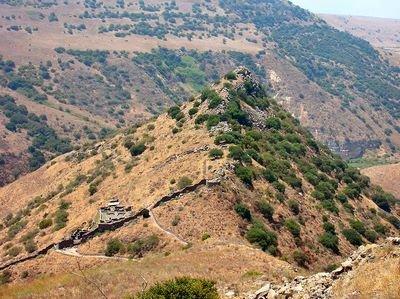 Hist-Bibl-Ruines de la cité fortifiée de Gamala, enjeu de la guerre entre Arétas IV et Hérode Antipas.